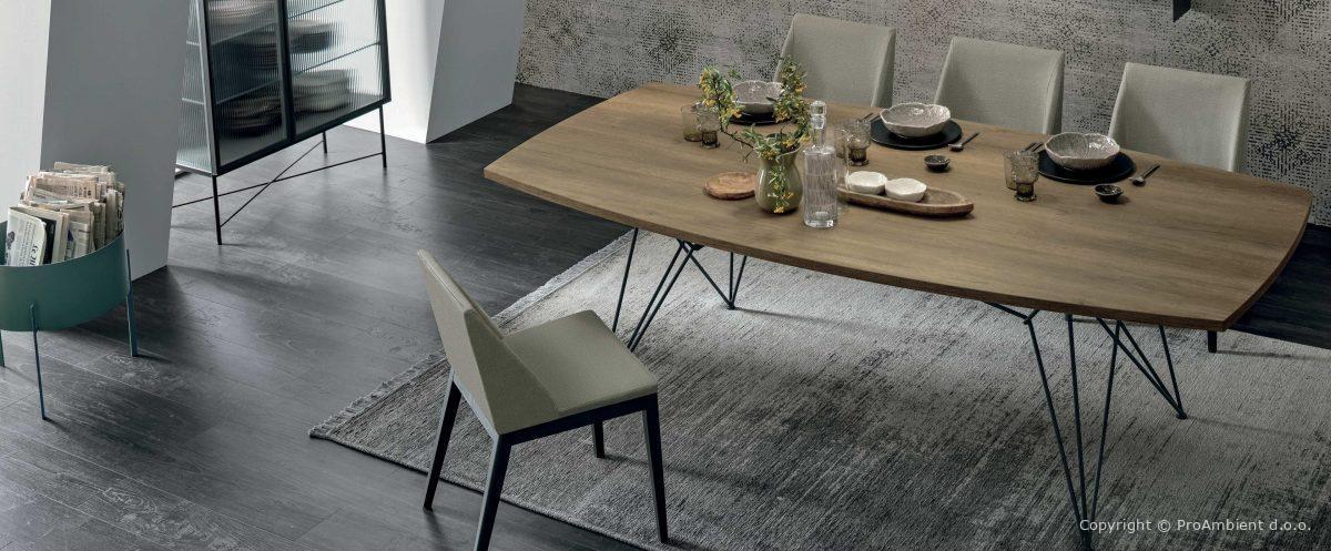 Lesene jedilniške mize
